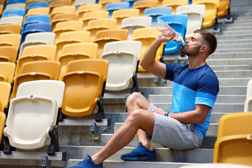 Picie wody podczas treningu
